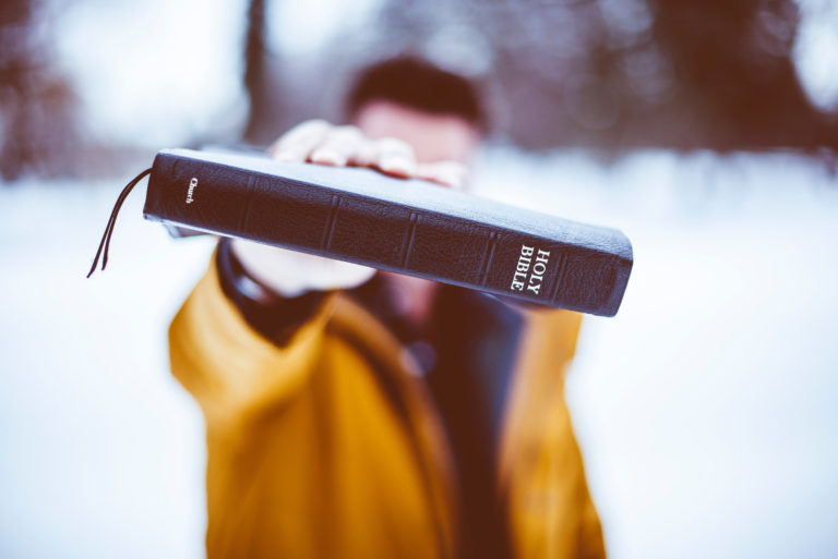 Cómo ayudar a un hermano en su lucha contra el pecado por JosuéBarrios