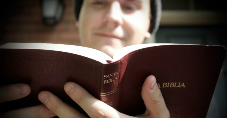 3 lecciones sobre profundizar en la Biblia by Josué Barrios